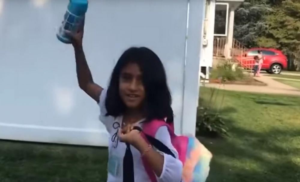 Noi imagini cu Sorina în prima zi de şcoală, în America.  Fiica asistenţilor maternali i-a transmis un mesaj emoţionant