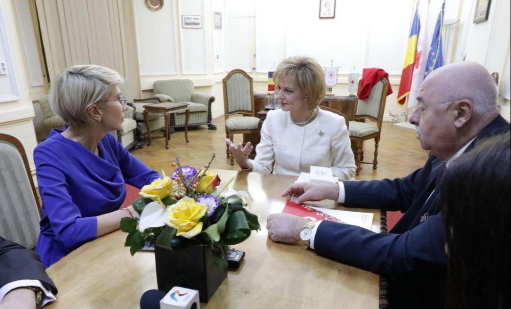 10 ani - Proiectul Banca de Alimente, pornit de Crucea Roșie, sub conducerea Majestății Sale Margareta