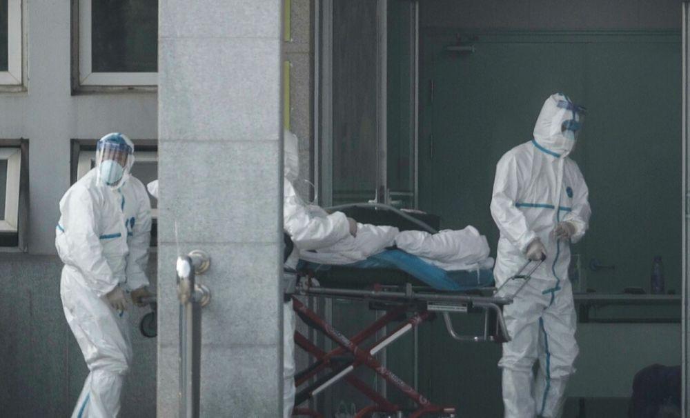 ALERTĂ de sănătate! Orașul chinez Wuhan a fost închis. 11 milioane de locuitori nu au voie să depășească blocada epidemiologică