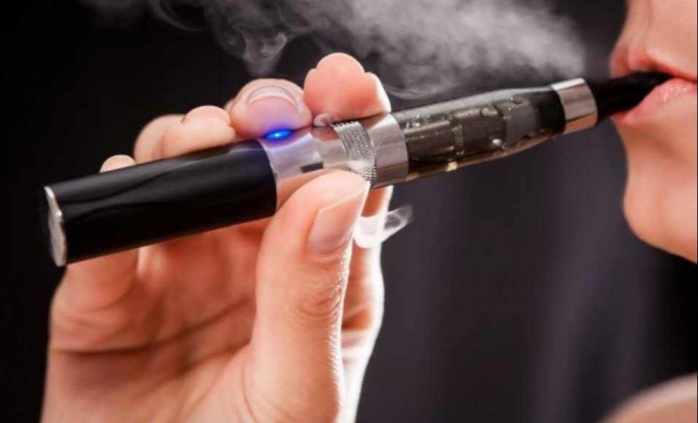 ALERTĂ de sănătate: țigările electronice provoacă boli mortale de plămâni!