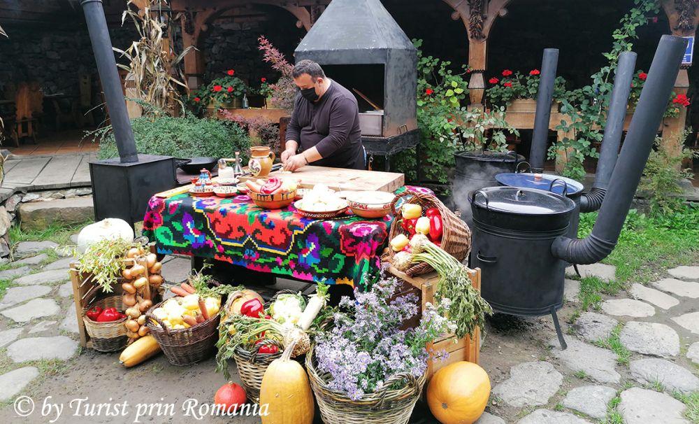 Bogățiile toamnei - un periplu gastronomic de înaltă clasă la Zilele Toamnei - Casa Iurca de Călinești.