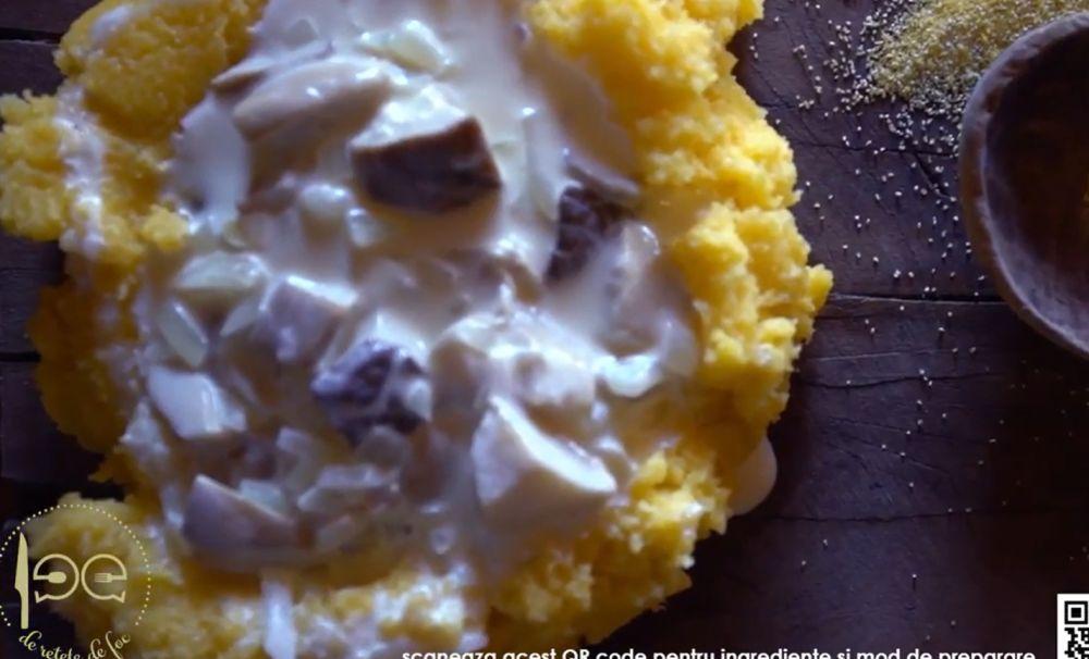 Ciulama de ciuperci, în cuib de mămăligă. O rețetă tradițională bucovineană