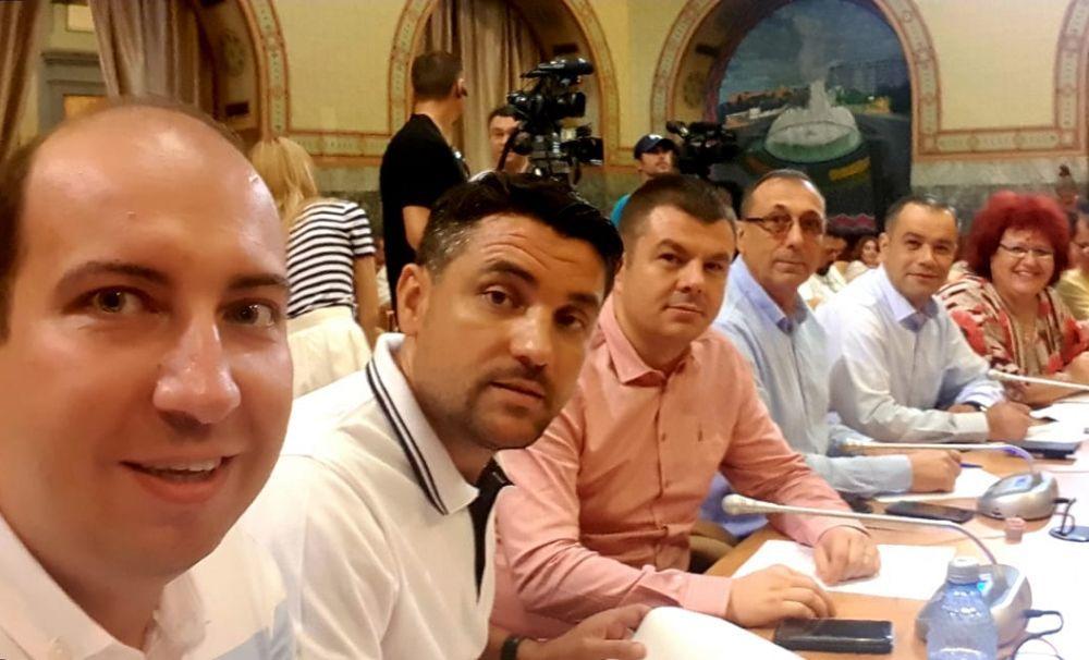 Consilierii PNL Craiova pun tunurile pe administrația PSD-Manda: RAT Craiova înseamnă datorii, datorii, datorii