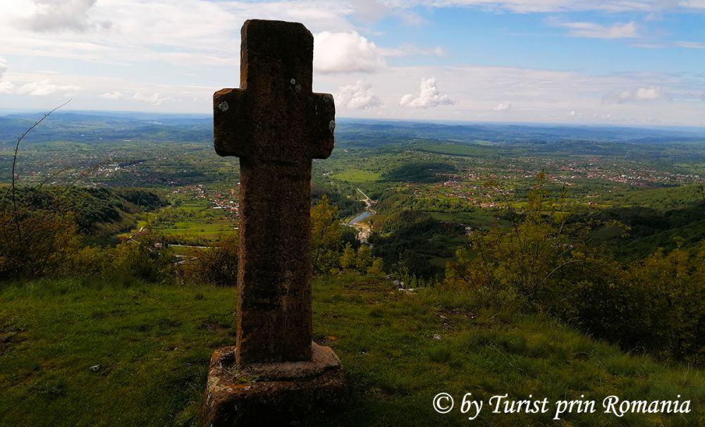 Crucea lui Ursache - ocrotitorul Novacilor și Polovragilor