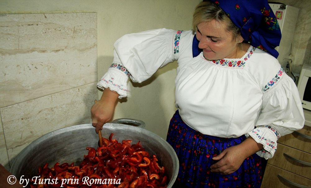 Deliciu culinar la Moisei, Gogoșari în sos de muștar - Casa La Bella Vista