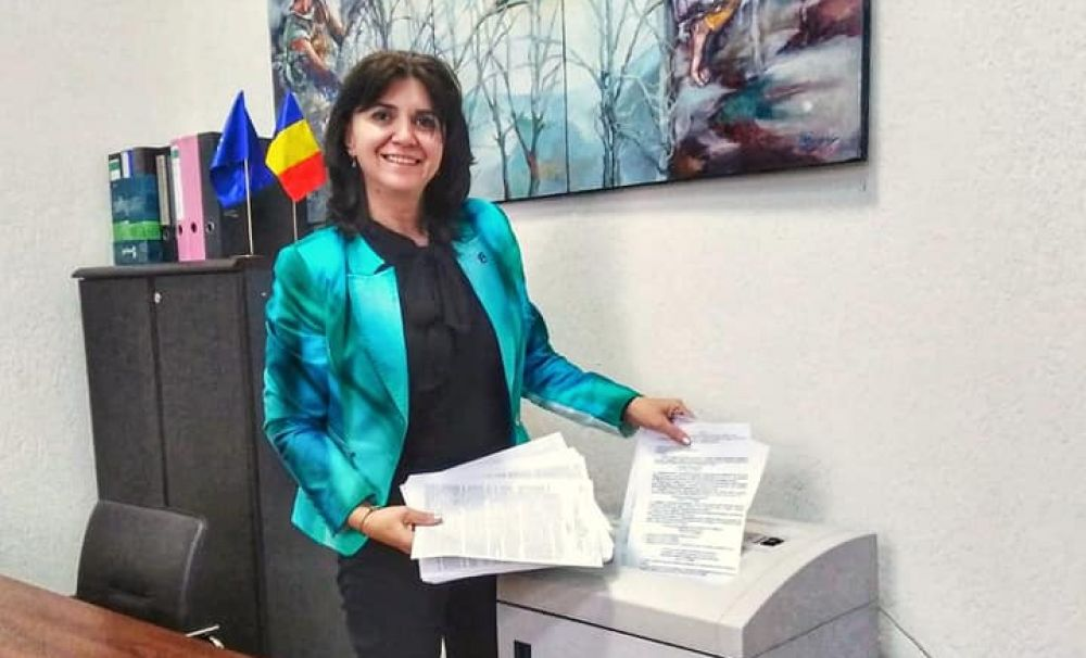 Două vești bune pentru profesori: cresc salariile și se vor tăia hârtiile! Ministrul Anisie a început debirocratizarea