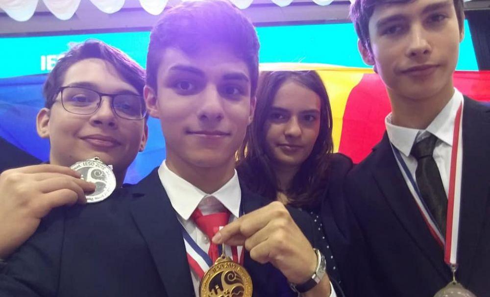 Elev eminent în Drăgăşani - Vâlcea! A obţinut medalia de aur la olimpiada din Coreea