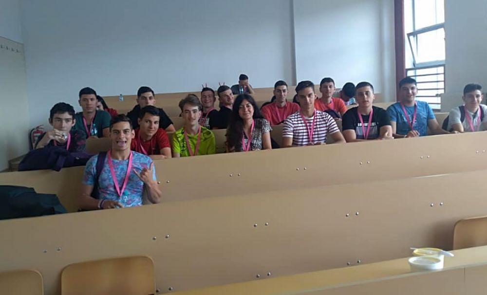 Elevii de la Colegiul Energetic din Vâlcea, în tabără de vară la facultatea din Cluj