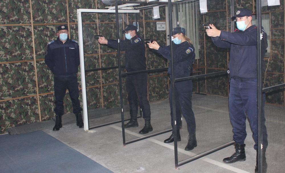 """Examen de absolvire la Școala Militară de Subofițeri de Jandarmi """"Grigore Alexandru Ghica"""" Drăgășani"""