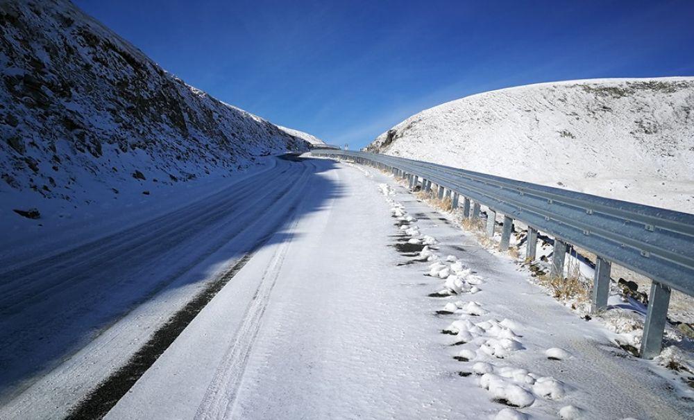 Prima ninsoare pe Transalpina-Gorj