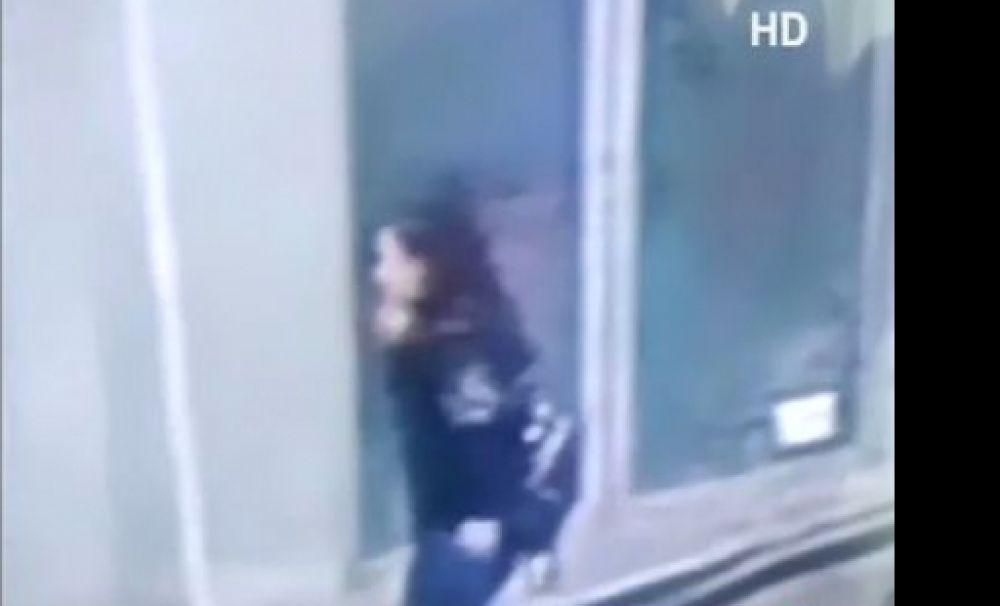 Imagini video: Luiza, una dintre victimele criminalului Dincă, a fost răpită în timp ce vorbea la telefon
