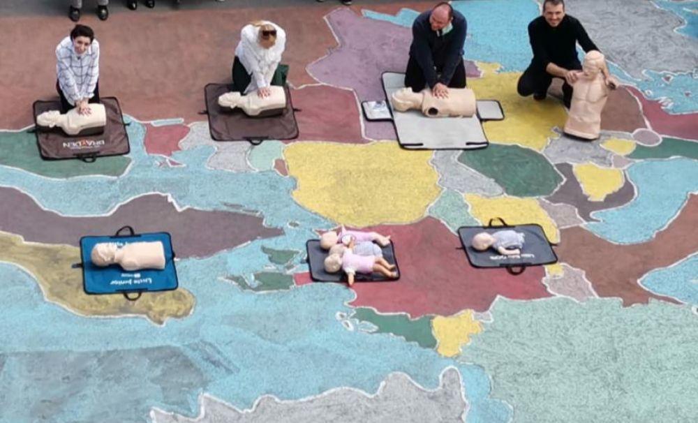 Învățăm să ajutăm! Lecție de prim ajutor la Liceul Teologic Adventist din Craiova