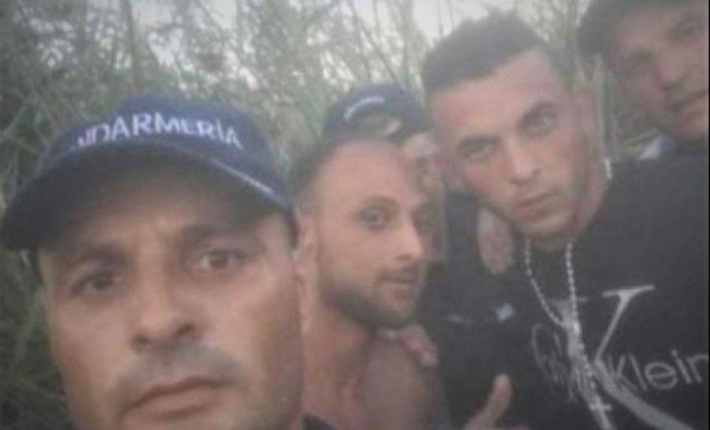 Jandarmii din Olt, cercetaţi după ce au făcut selfie cu evadaţii
