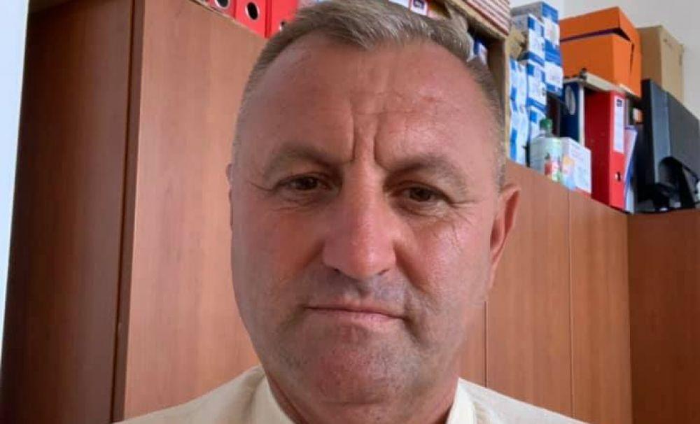 Mesajul unui primar din Vâlcea, supărat că directorul şcolii nu l-a invitat la deschiderea noului an şcolar