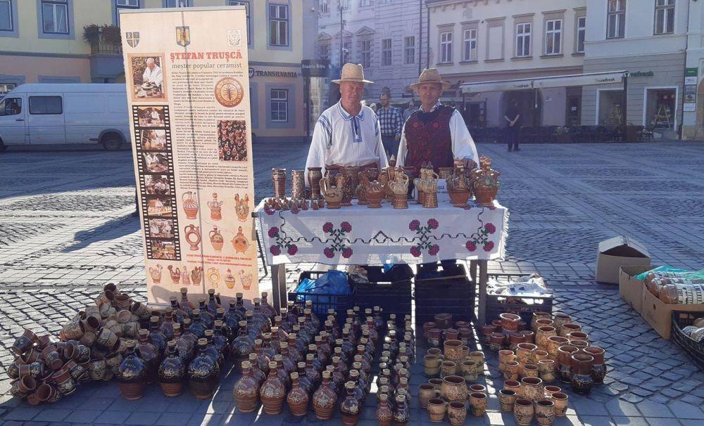 Meşterii olari din Olt, la târgul din Sibiu