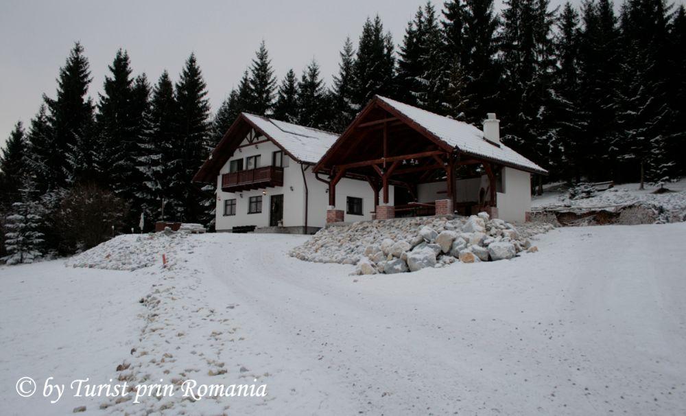 Natură, eleganță, tradiție, ospitalitate? Casa Simon din Suseni