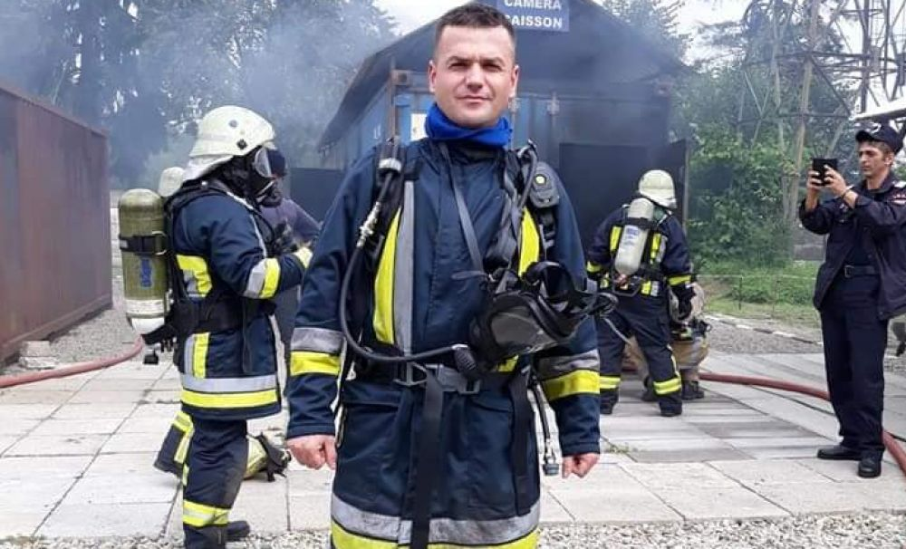 Omul potrivit... la locul și la momentul potrivit! / Salvaţi de un pompier aflat în timpul liber