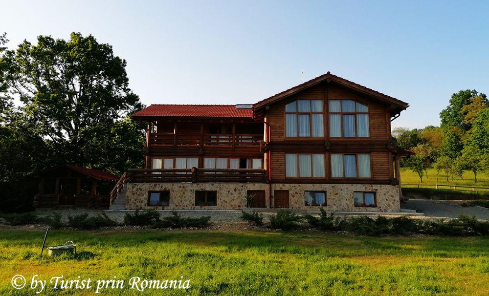 Ospitalitate, confort și eleganță, Cabana Izvorul Rece din Polovragi