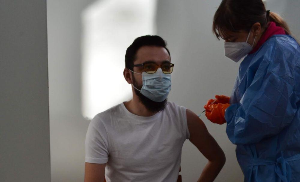 Prefectul judeţului Vâlcea s-a vaccinat împotriva COVID19