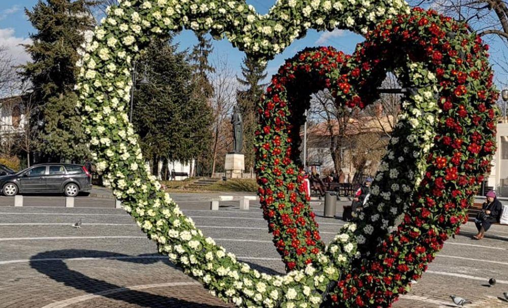 """Primăria Râmnicului invită cuplurile la """"11 zile de Dragoste"""""""