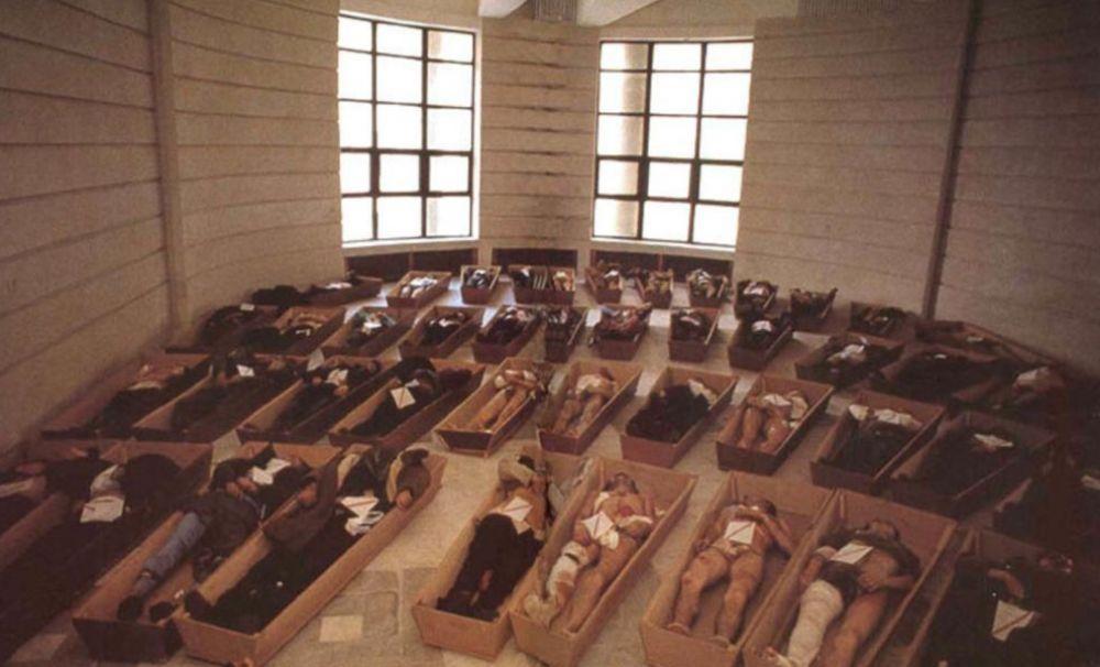 PRO DEMOCRAȚIA: Lucian Dindirică, șeful Bibliotecii Aman din Craiova, continuă să batjocorească memoria eroilor asasinați în Decembrie 1989
