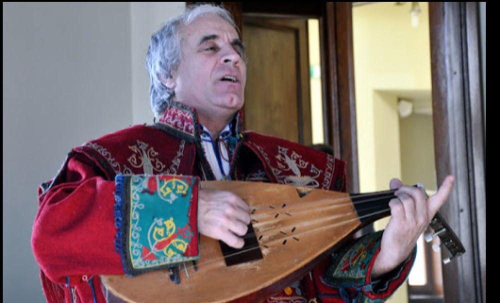Rapsodul craiovean Ion CREȚEANU a primit titlul de TEZAUR UMAN VIU