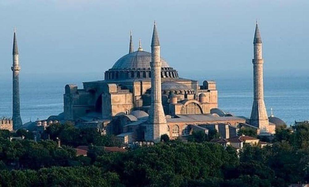 Rareș Bogdan: Transformarea Sfintei Sofia în moschee este o ofensă