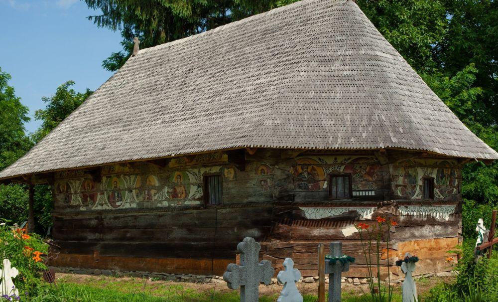 S-au strâns peste 12.500 de euro pentru renovarea bisericii Urşi din Vâlcea