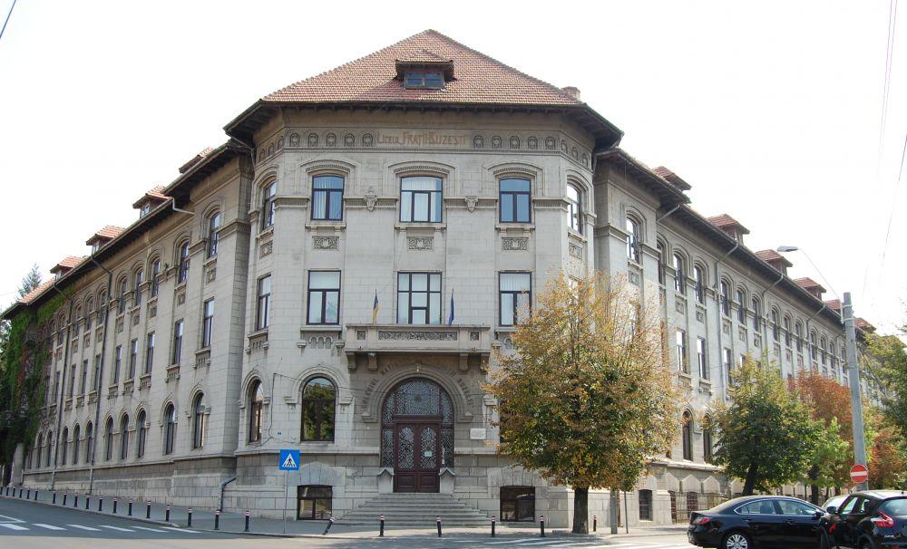 """Să vorbim despre bani și bănci, proiect BNR la Colegiul Național """"Frații Buzești"""" din Craiova"""