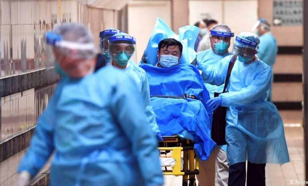 Şansa populaţiei de a scăpa de coronavirus depinde, în mare parte, de sănătatea medicilor
