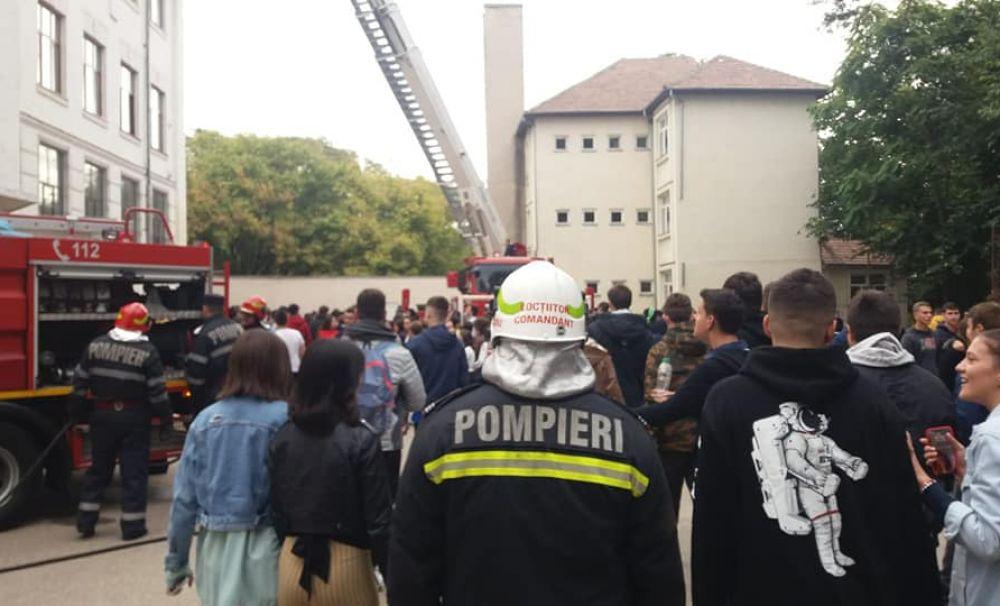 Siguranţa elevilor, prioritatea pompierilor mehedinţeni