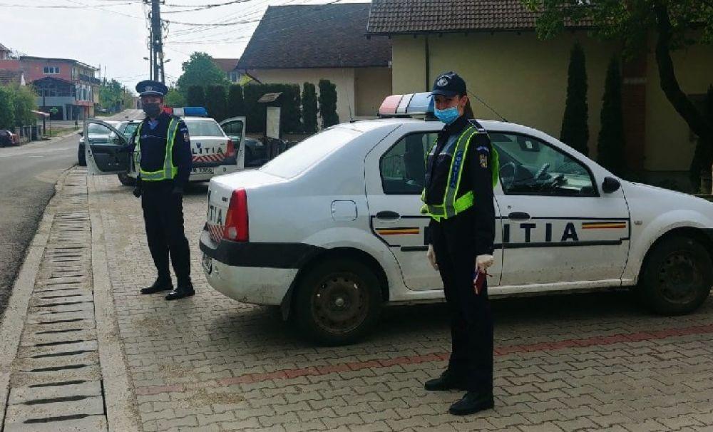 Sute de poliţişti, în stradă, la acţiunile prevenire a virusului COVID 19