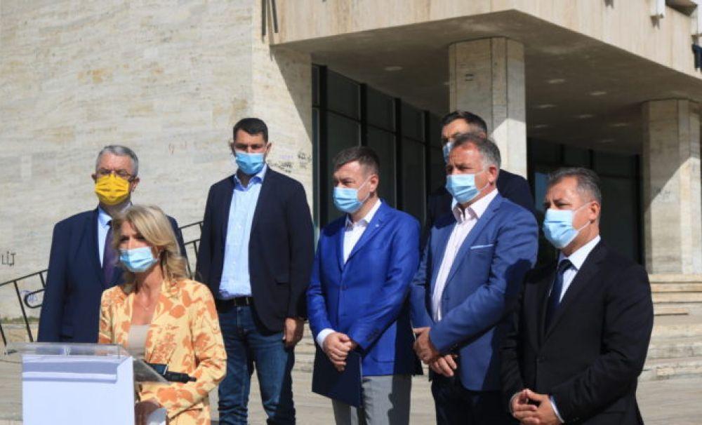 Teatrul Naţional Marin Sorescu din Craiova va beneficia de o investiţie de 18,5 milioane de euro